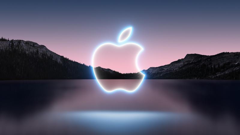 iPhone 13 Macbook